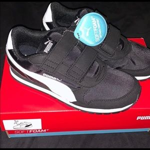 Puma SoftFoam Velcro Kids Shoes Runner Black 4c 4